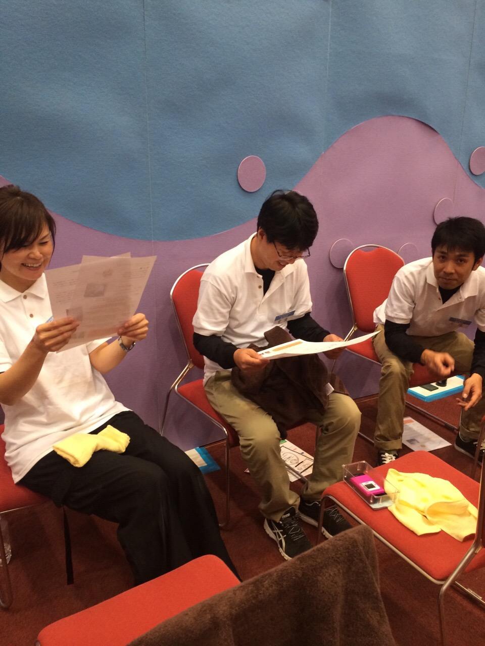 「ウェルネス福岡」の講師と生徒で、家電展示会内でのマッサージイベントに参加!
